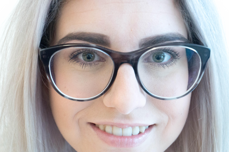 Juliabrillengesicht-6